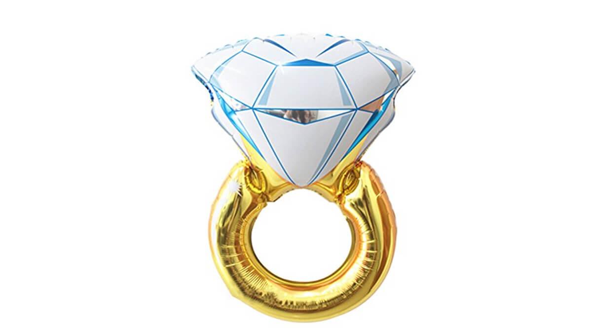 Foto de un anillo para una despedida de soltera